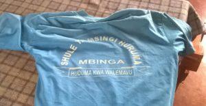 T-Shirt der Schuluniform